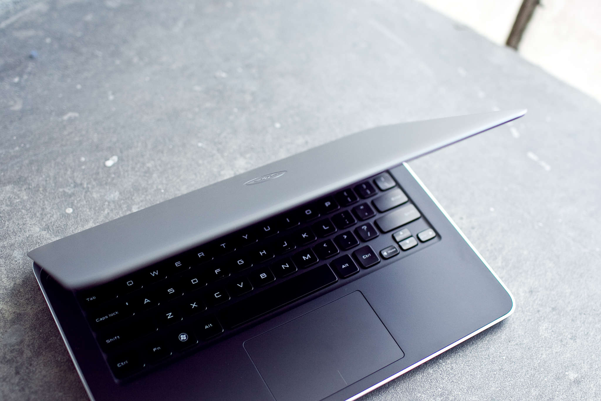 Dell XPS 13 في مؤتمر ces 2015